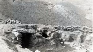 Fortificado de la que XV Brigada Internacional tomó 800 prisioneros y un oficial de la Guardia Blanca. Quinto
