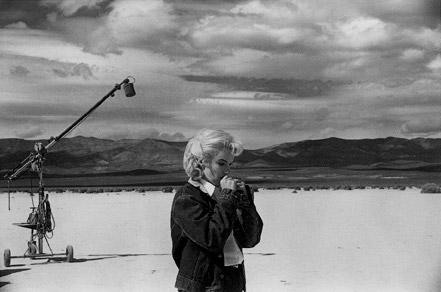 Marilyn Monroe durante el roda de Vidas rebeldes. Foto Eve Arnold (Magnum Photos)